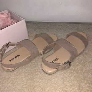 BRAND NEW JUST FAB SANDALS